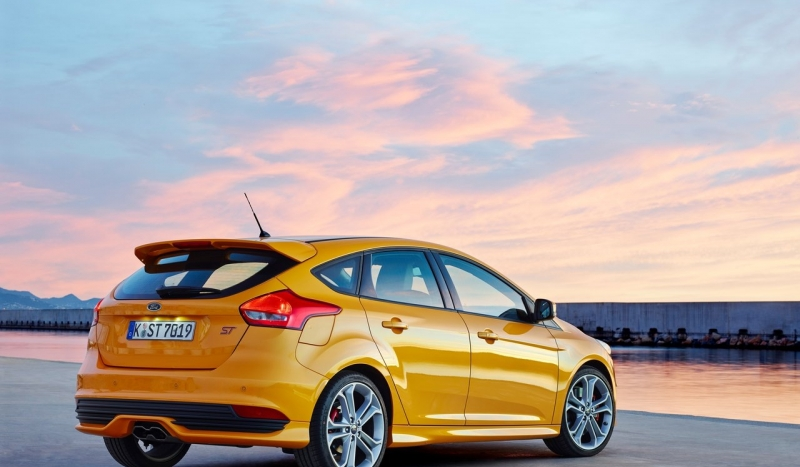 se bluffs stock hatchback lease sale htm focus ford for iowa ia new council